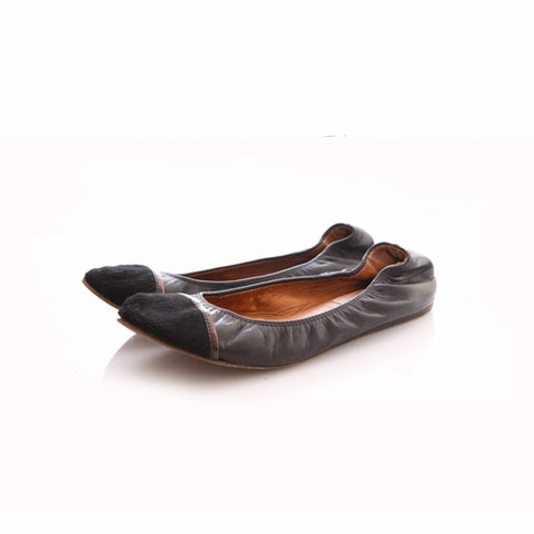 Black leather ballerinas