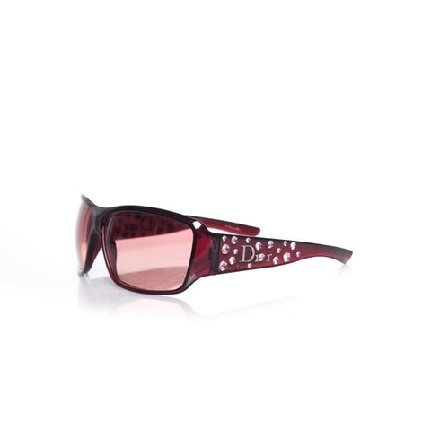 Brown colored sunglasses with strass