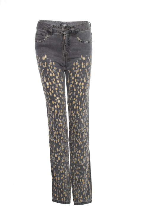 Grey washout jeans with yellow teared details.