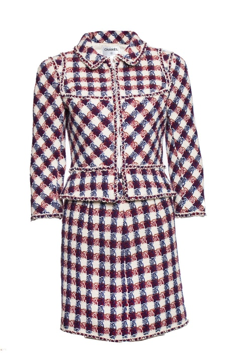 Checkered boucle suit with pearls.