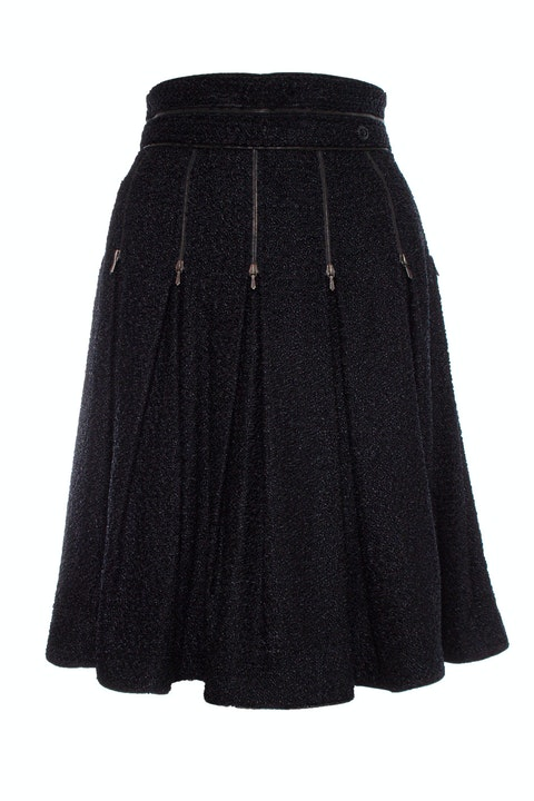 Boucle skirt with zippers.