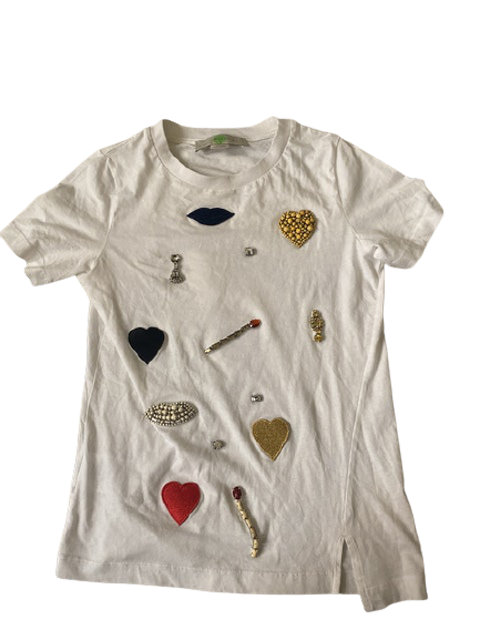 T-shirt with cool patches